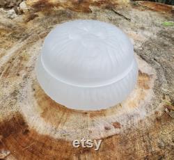 L. E. Smith Satin Glass Powder Box, 4 Leaf Clover, Textured 414