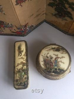 Part set Chinese powder pot and clothes brush (unused). Very pretty.