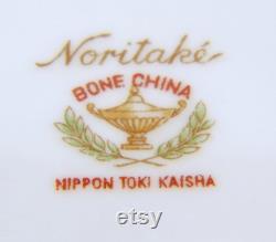 Very Rare Noritake Powder Jar Compact Lidded Dish Floral Bouquet Very Elegant
