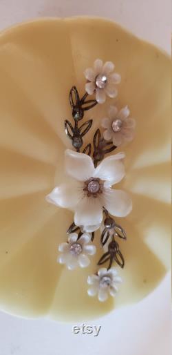 Vintage plastic powder dish beige flowers rhinestones excellent condition